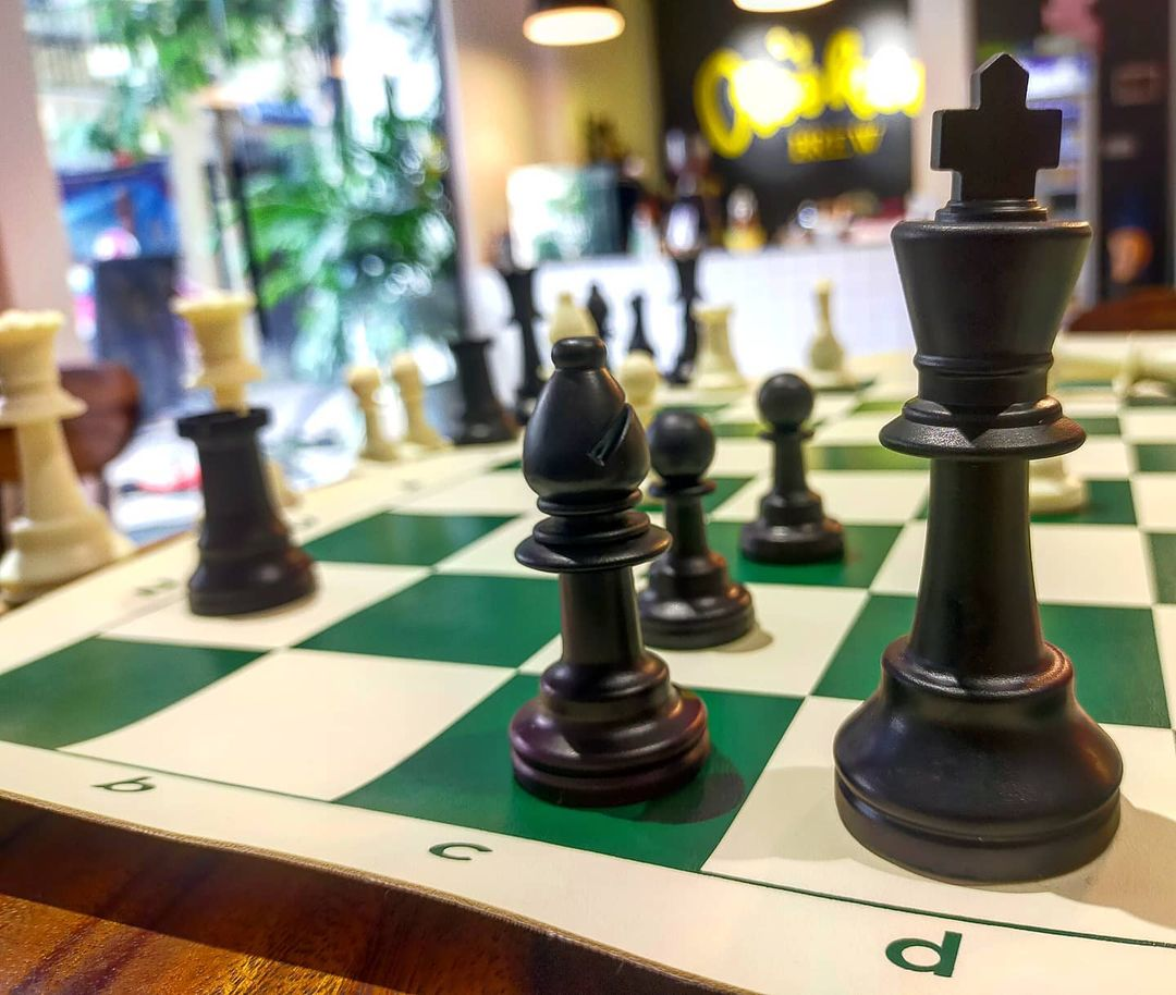 Crooked Brew Chess in Phnom Penh